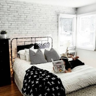 Elegant Exposed Brick Apartment Décor Ideas 16