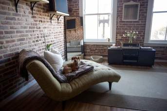 Elegant Exposed Brick Apartment Décor Ideas 22