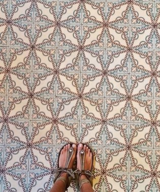 Fabulous Floor Tiles Designs Ideas For Living Room 23
