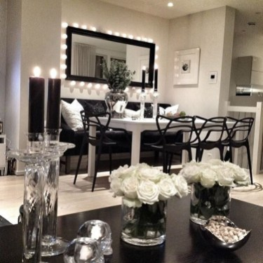 Relaxing Black And White Apartment Décor Ideas 12