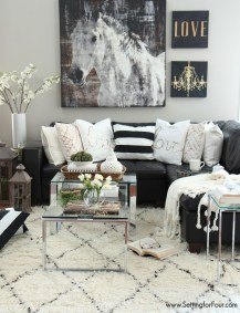 Relaxing Black And White Apartment Décor Ideas 36