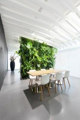Relaxing Green Office Décor Ideas 38
