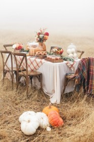 Awesome French Farmhouse Fall Table Design 29