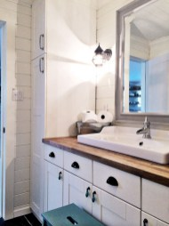 Awesome Rustic Farmhouse Vanities Ideas 12
