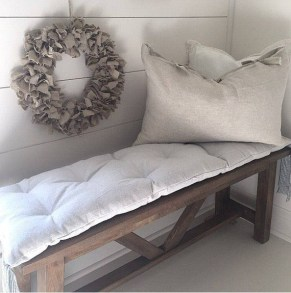 Comfy And Casual Farmhouse Home Design Ideas 21