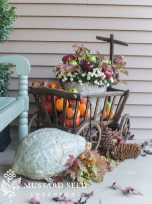 Cozy Fall Porch Farmhouse Style 33