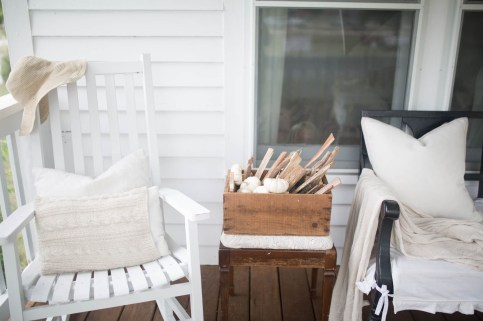 Cozy Fall Porch Farmhouse Style 36