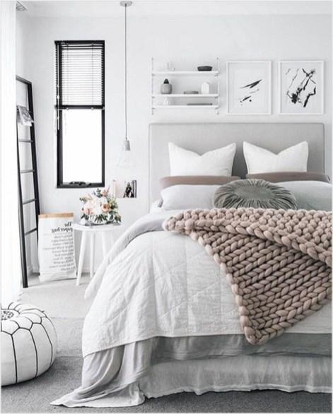 Cozy Small Apartment Bedroom Remodel Ideas 05