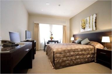 Cozy Small Apartment Bedroom Remodel Ideas 16