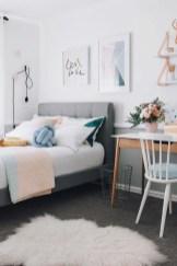 Easy Minimalist And Cozy Bedroom Decor Ideas 33