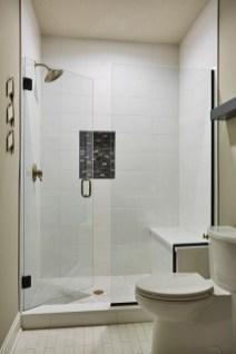 Luxury Black And White Bathroom Design Ideas 14