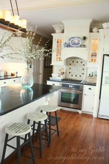 Magnificient Spring Kitchen Decor Ideas 37
