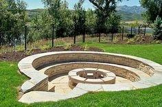 Attractive Sunken Ideas For Backyard Landscape 24