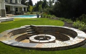 Attractive Sunken Ideas For Backyard Landscape 28