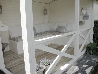 Best Ways To Create A Relaxing Porch Ideas For Big Family 14