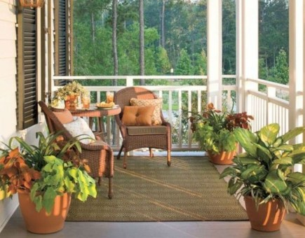 Best Ways To Create A Relaxing Porch Ideas For Big Family 25