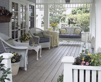 Best Ways To Create A Relaxing Porch Ideas For Big Family 34