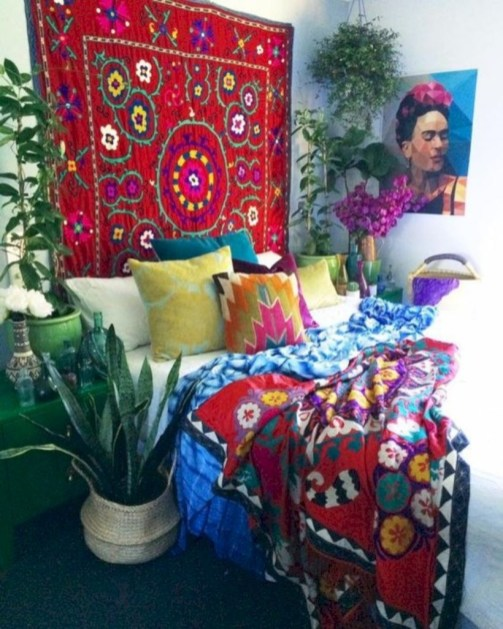 Comfy Boho Bedroom Decor With Attractive Color Ideas 47