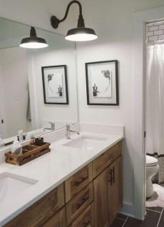 Lovely Modern Farmhouse Design For Bathroom Remodel Ideas 22