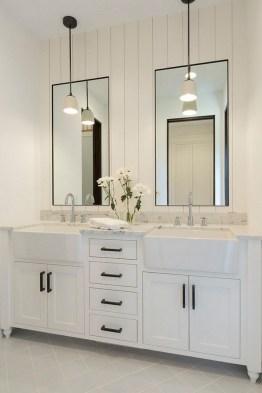 Lovely Modern Farmhouse Design For Bathroom Remodel Ideas 35