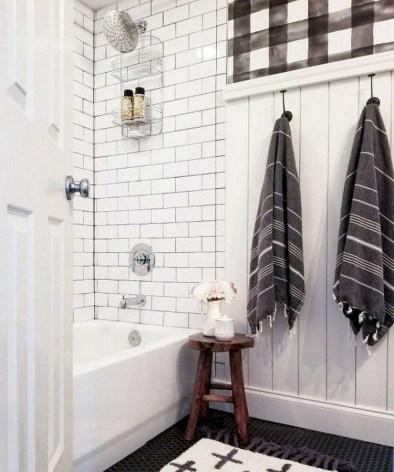 Lovely Modern Farmhouse Design For Bathroom Remodel Ideas 38