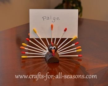 Lovely Turkey Decor For Your Thanksgiving Table Ideas 10