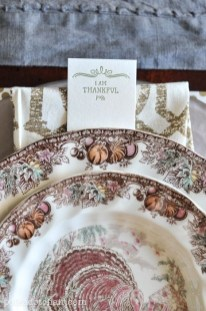 Lovely Turkey Decor For Your Thanksgiving Table Ideas 13