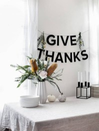 Lovely Turkey Decor For Your Thanksgiving Table Ideas 22