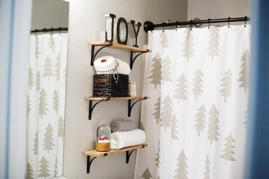 Minimalist Bathroom Winter Decoration Ideas 15