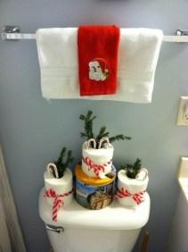 Minimalist Bathroom Winter Decoration Ideas 18