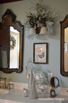 Minimalist Bathroom Winter Decoration Ideas 43