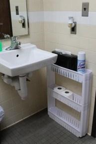Minimalist Small Bathroom Storage Ideas To Save Space 20