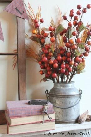 Stylish Fall Home Decor Ideas With Farmhouse Style 27