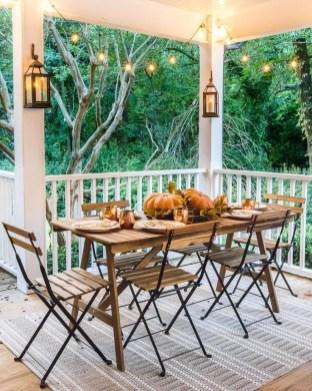 Stylish Fall Home Decor Ideas With Farmhouse Style 34
