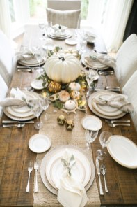 Stylish Thanksgiving Table Ideas 21