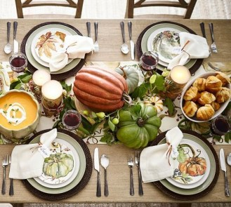 Stylish Thanksgiving Table Ideas 22
