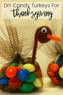 Stylish Thanksgiving Table Ideas 38