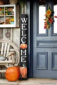 Unique Fall Front Door Decor Ideas 12