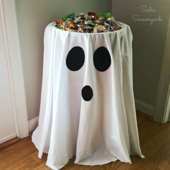 Unique Halloween Home Décor Ideas 23