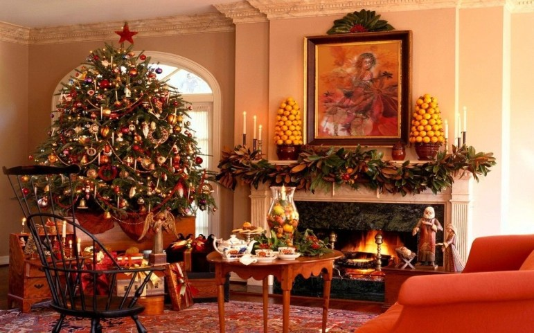 Creative Rustic Christmas Fireplace Mantel Décor Ideas 14