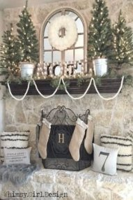 Creative Rustic Christmas Fireplace Mantel Décor Ideas 41
