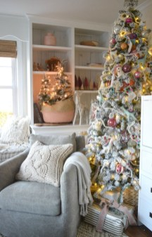 Easy Christmas Tree Decor With Lighting Ideas 08
