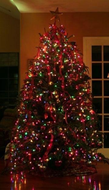 Easy Christmas Tree Decor With Lighting Ideas 19