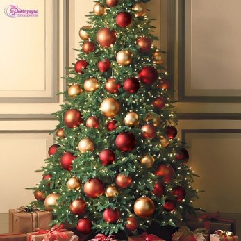 Easy Christmas Tree Decor With Lighting Ideas 30