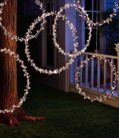 Elegant Christmas Lights Decor For Backyard Ideas 33