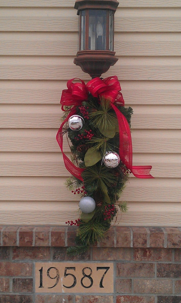 Extraordinary Outdoor Light Christmas Ideas 06