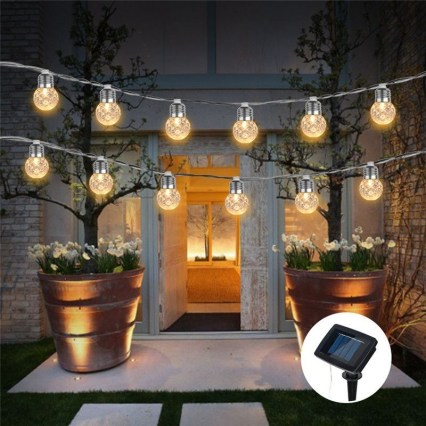 Extraordinary Outdoor Light Christmas Ideas 07