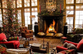 Gorgoeus Rustic Stone Fireplace With Christmas Décor 05