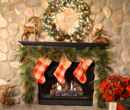 Gorgoeus Rustic Stone Fireplace With Christmas Décor 17