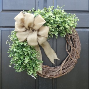 Lovely Farmhouse Christmas Porch Decor And Design Ideas 38